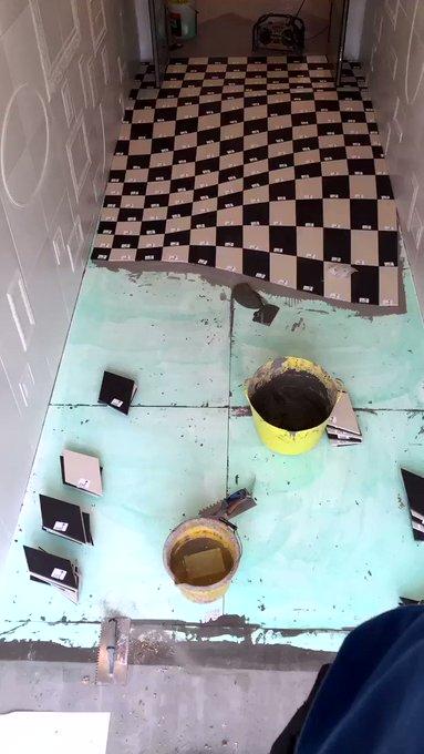 Удивительный пол-иллюзия из 400 плиток…