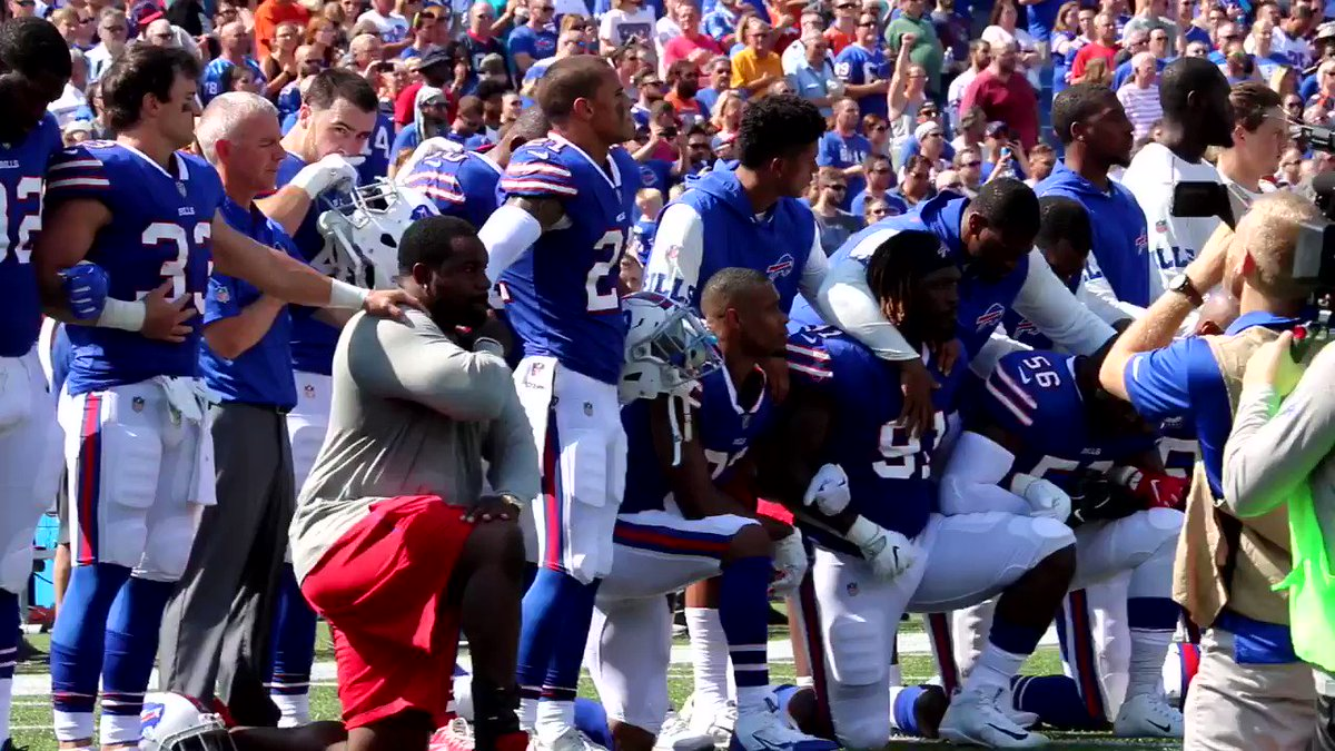 Marcell Dareus was very emotional as the anthem came to an end #Bills...