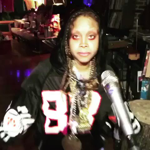 Erykah Badu and Michael Blackson are a mess