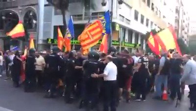 #Valencia Hoy: Fuera fascistas de nuestr...