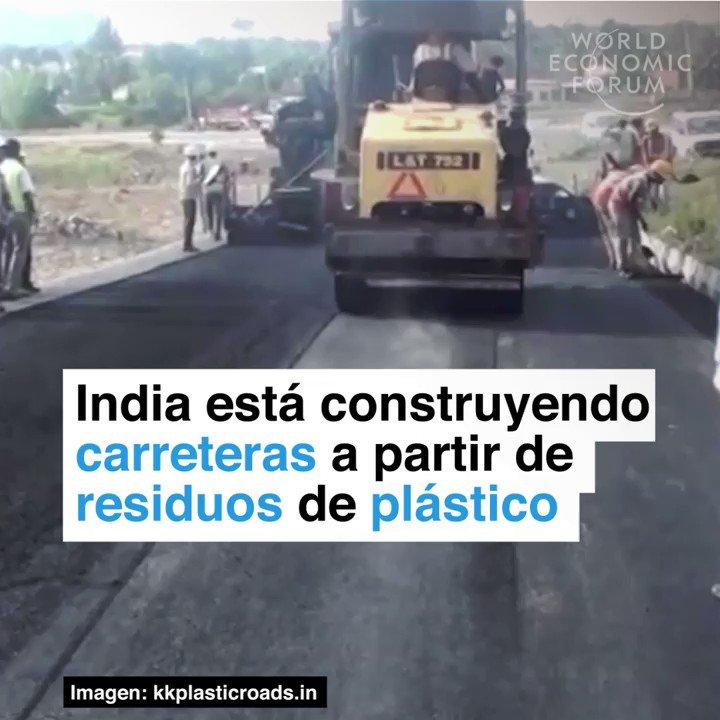 India está construyendo carreteras a partir de residuos de plástico. https://t.co/SoJMOVykYH Miren esto