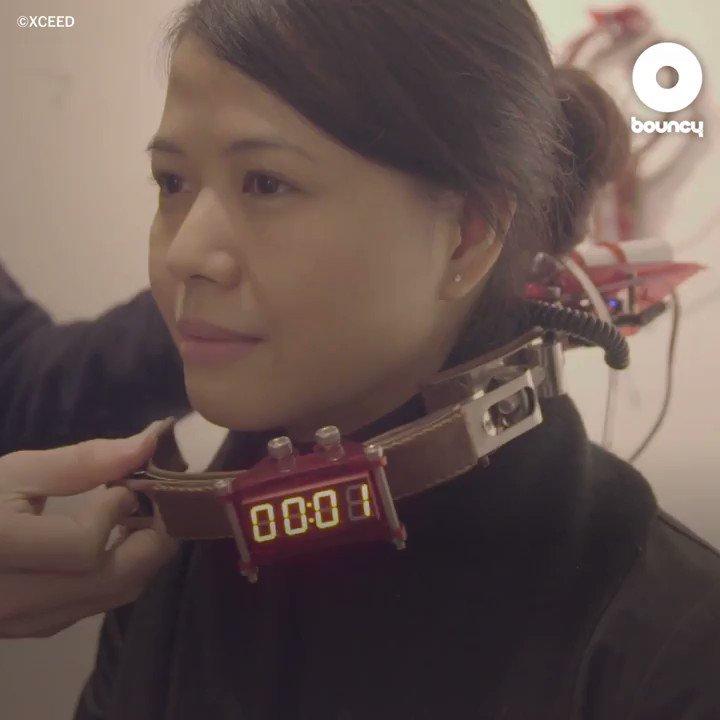 骨伝導により館内をガイドする首輪型デバイス「Collar AG」 Courtesy of @xceed_hk