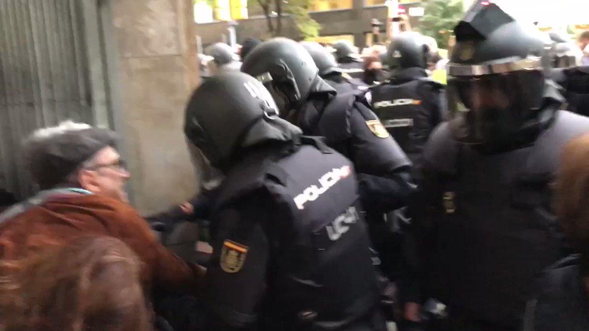 EUROPAAA!!! #JoVoto #CatalanReferendum2017  #Democràcia  https://t.co/bwDqHtT5ee