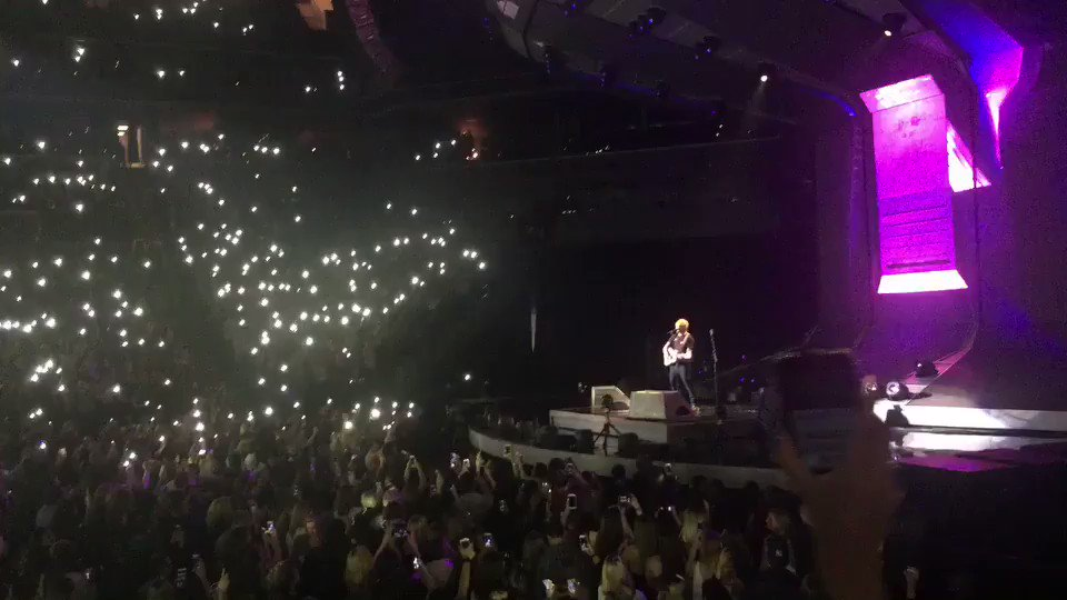 Awesome night in NYC at the @edsheeran concert https://t.co/gk6dD0fIwb