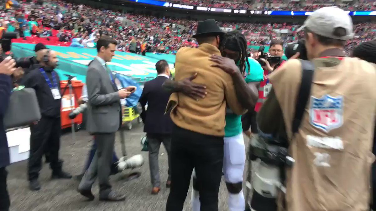 What. A. Moment.  @JayTrain23 meet his childhood hero, @ThierryHenry  #JayTrain #NFLUK https://t.co/EMxwCYTLia