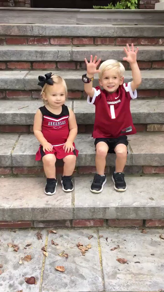 BIG TIME Hog Call from these two. WOOO PIG.
