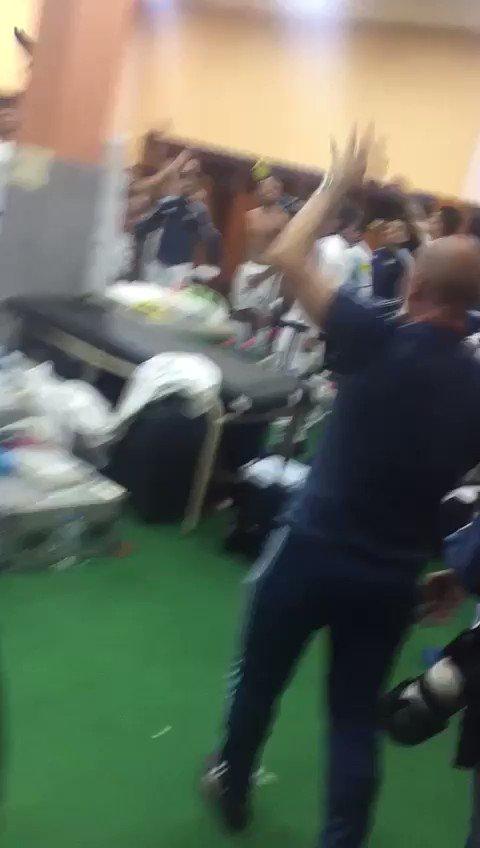 Jogadores argentinos xingam jornalistas em canto após classificação da Selección https://t.co/bSTXYsI2vG