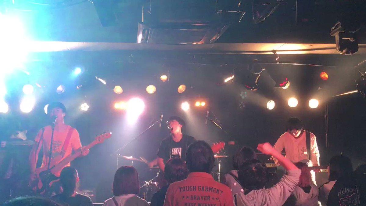 突然少年/初恋  10/12松本ALECX https://t.co/XKZJs...