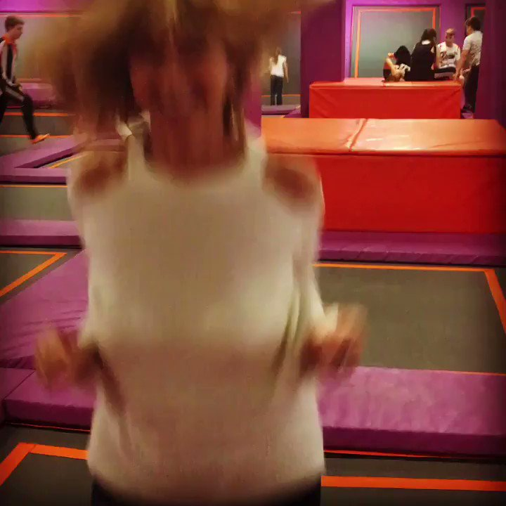 Hmmm bits of me are bouncing more than they are meant to! Fun though! #gravitytrampolinepark #tryanythingonce ! https://t.co/cP1JeNb8qb