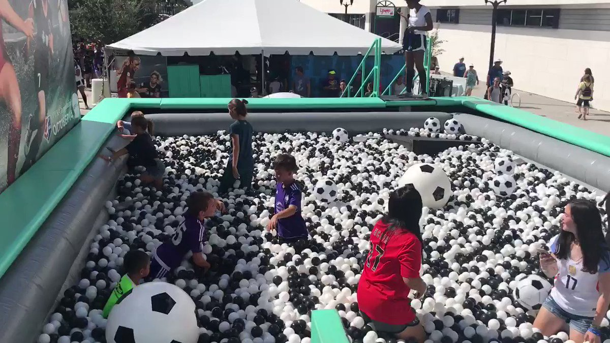 Ball pits for the win. #NWSLChampionship...