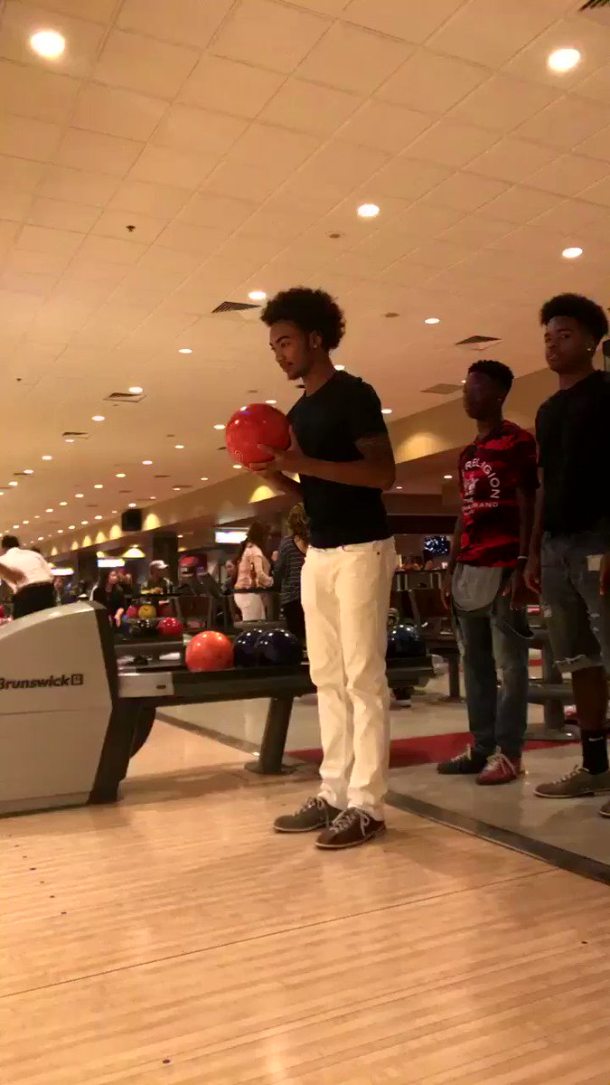 RT @NatiAsfaw25: Wii sports bowling be like 😂😂 https://t.co/qiMGiqXbwJ