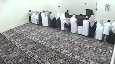 إمام سوداني يأم بالمصلين شاهد واسمع ماحد...
