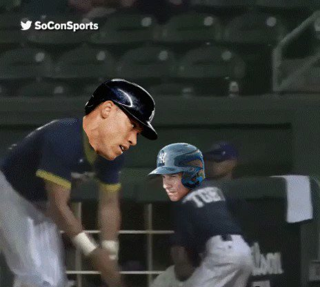 AARON JUDGE!!  JUDGEMENT BOMB!!!  LETS GOOOOOOO!!!!!! https://t.co/ckI...