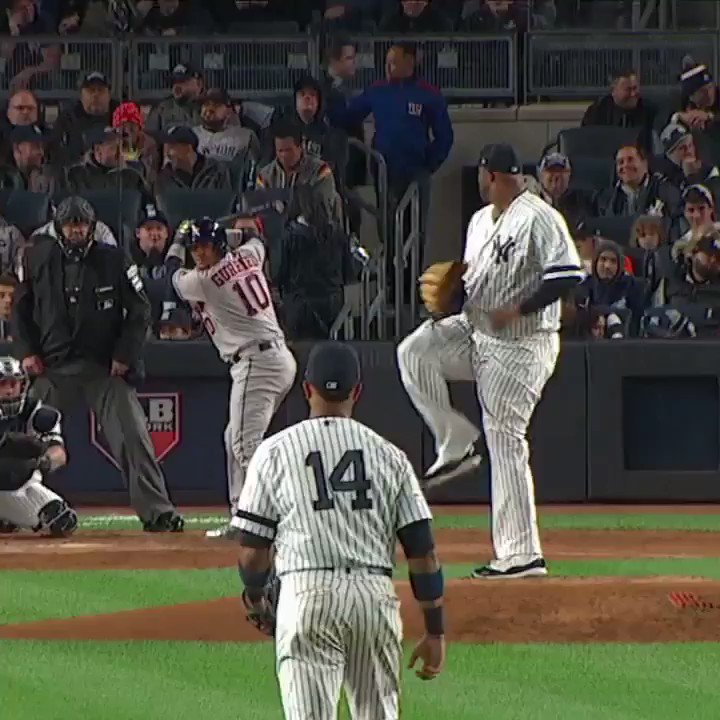 What a grab by Aaron Judge. #SCtop10 https://t.co/8psJ1zcEoS