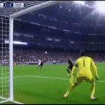 RT @rmcfcantando: A reação do Zidane com o gol per...
