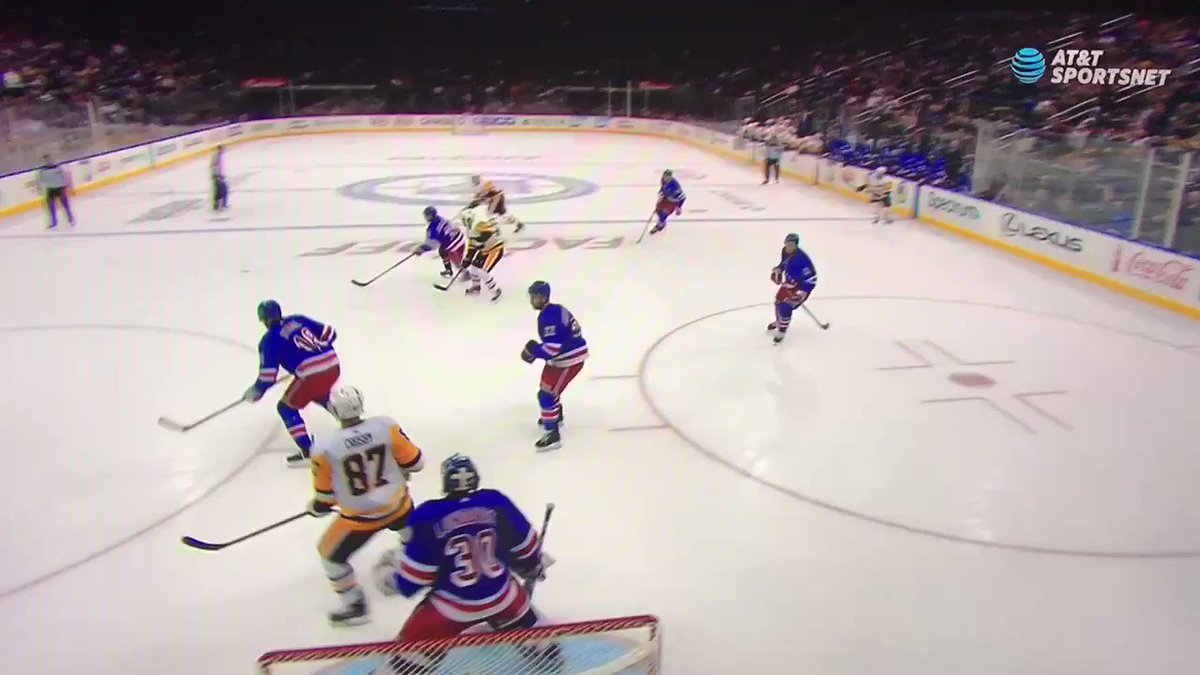 Worth watching all angles of Sid waiting for Shattenkirk to touch the puck. Crosby is Good™ and Smart™ at hockey. https://t.co/BhZmRyRGaV