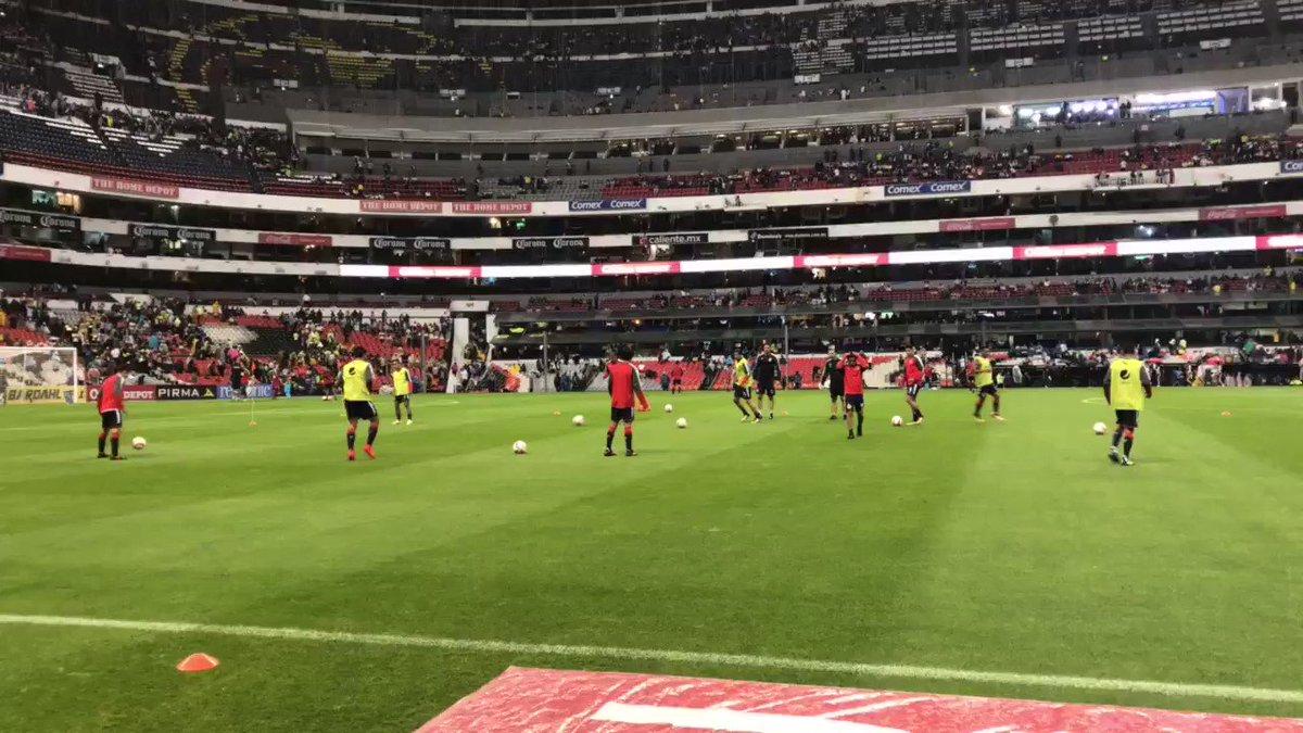 ¡Hoy se juega con el ❤️! 💪 ¡Vamos Chivas, vamos 🇲🇽! 🔝🔴⚪️ https://t.co/...