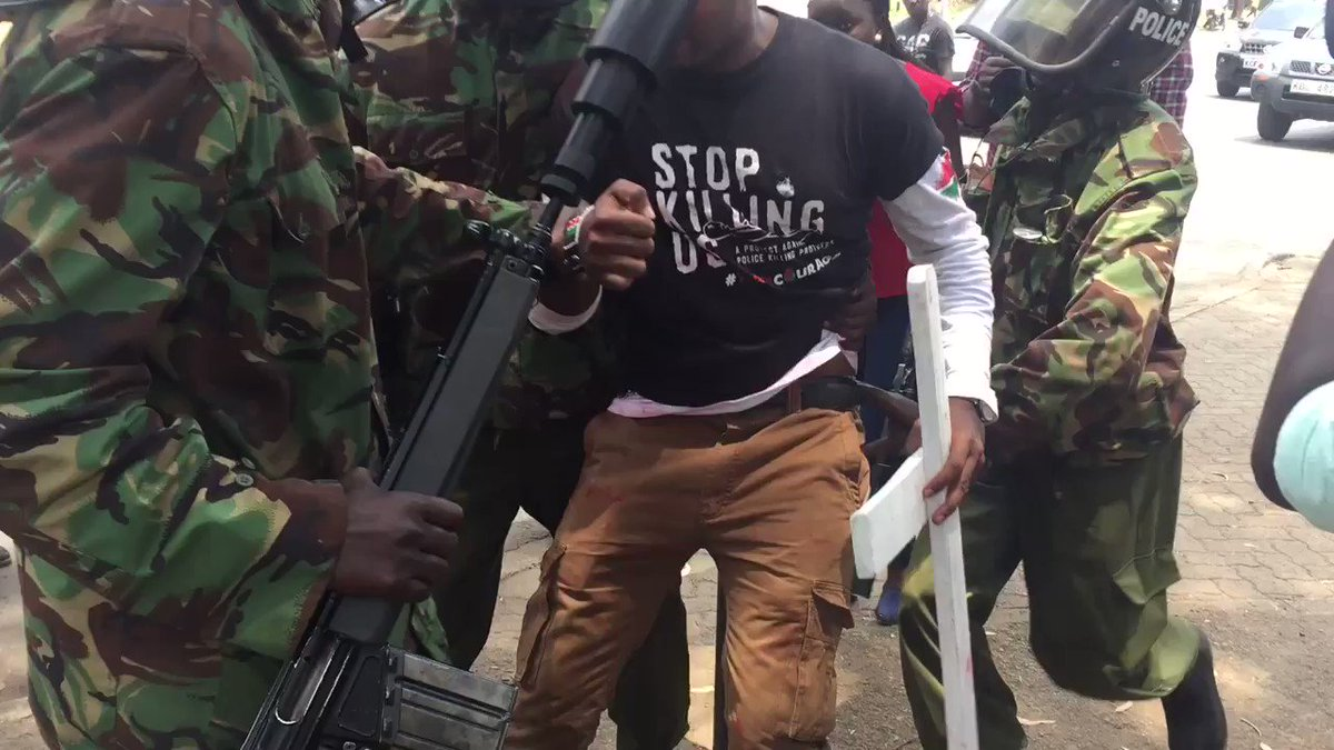 Police refused to allow protester at access freedom corner #protestkillings https://t.co/19kHVf7ABO