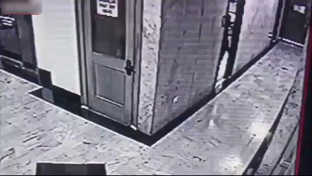 CAUGHT ON VIDEO: Los Angeles Burglar Kee...