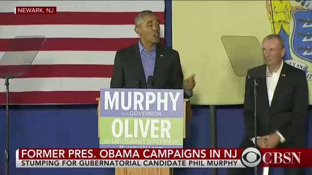 Obama terug op het campagnepad voor gouverneursverkiezingen in Virginia en New Jersey. Publiek scandeert '4 more years' #Amerika