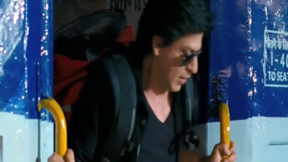 Chennai express  Ddlj Train scene 22 YEA...