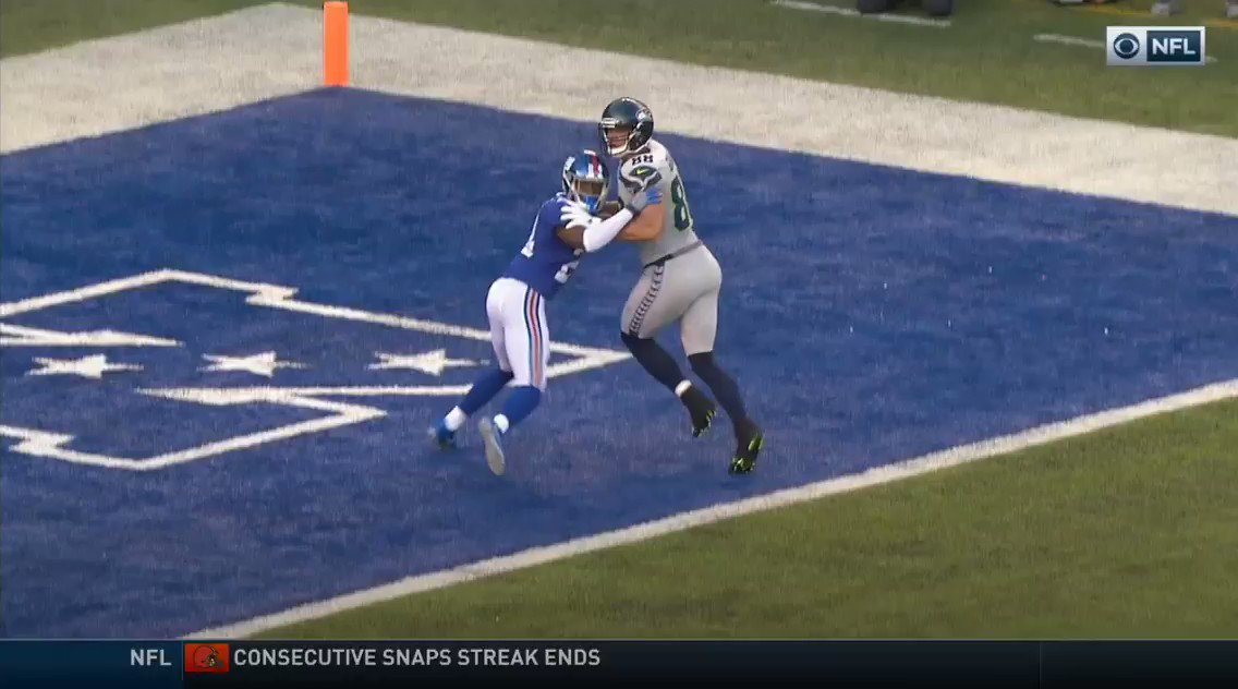 The Jimmy Graham touchdown drop play on 4th down https://t.co/CHrII5Rj...
