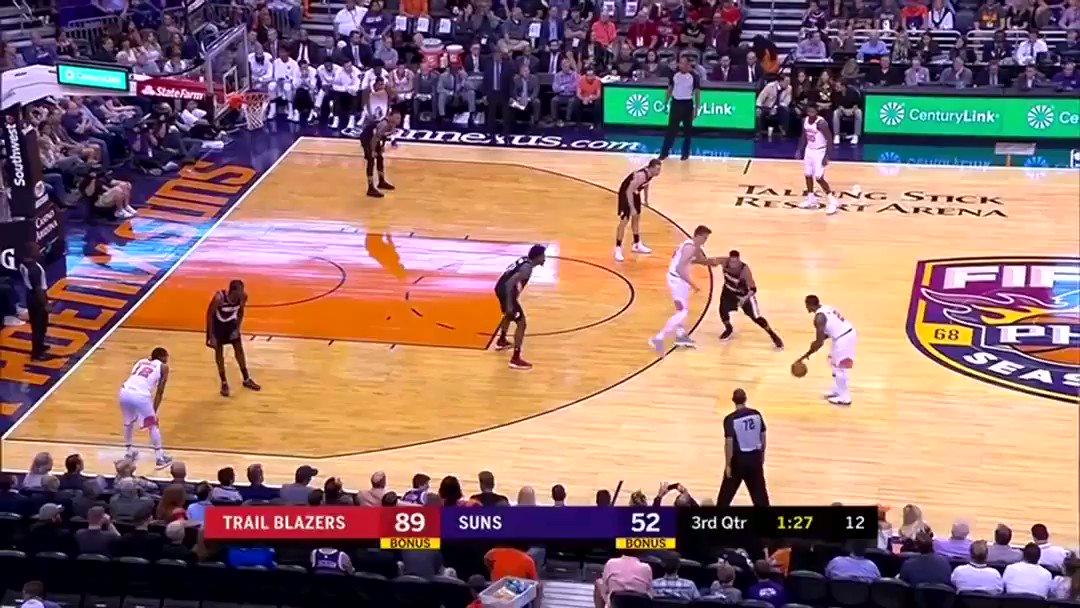 Eric 'I Dont wanna be here' Bledsoe (via r/NBA) https://t.co/fJwkfBH6w...