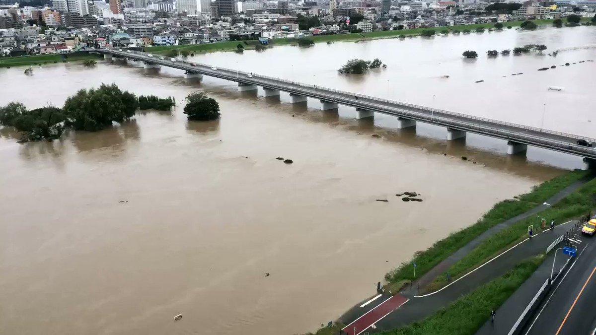 多摩川から水が引いていく様子を iPhone のタイムラプス撮影で。 pic.twitter.com/ly7GoYTAJu