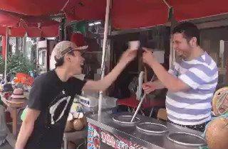 Finally someone took revenge for turkish icecream trick ???? https://t.co/Tan6WKQTSZ