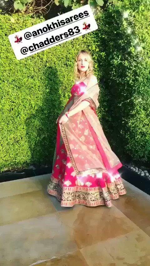 RT @AnokhiSarees: The gorgeous @RosieFortescue wearing Anokhi! https://t.co/KEW7dpEywi