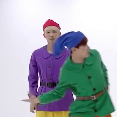 why arent ppl talking about namjoon pani...