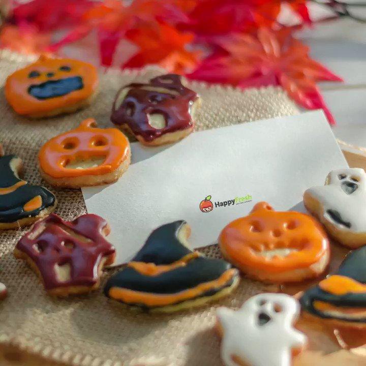 🎃 สุขสันต์วันฮาโลวีนค่ะ 🍁🍂  Trick🍭 or Treat👻?  Happy Halloween! 🎃 May your night spooky and sweet 😉  #สุขสันต์วันฮาโลวีน #HappyHalloween https://t.co/QxHMdMC2y6