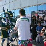 """【大阪vs三河GAME2:公式""""風""""マスコットタツヲくん来場!1⃣】タツヲくんが来ると聞いて、お出迎…"""