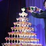 シャンパンタワー!#ユーチューバー草彅 #ホンネテレビ pic.twitter.com/5GmwMh…