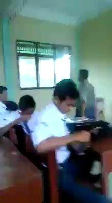 "Buletin TV3 on Twitter: ""Video viral seorang guru 'mengajar ..."