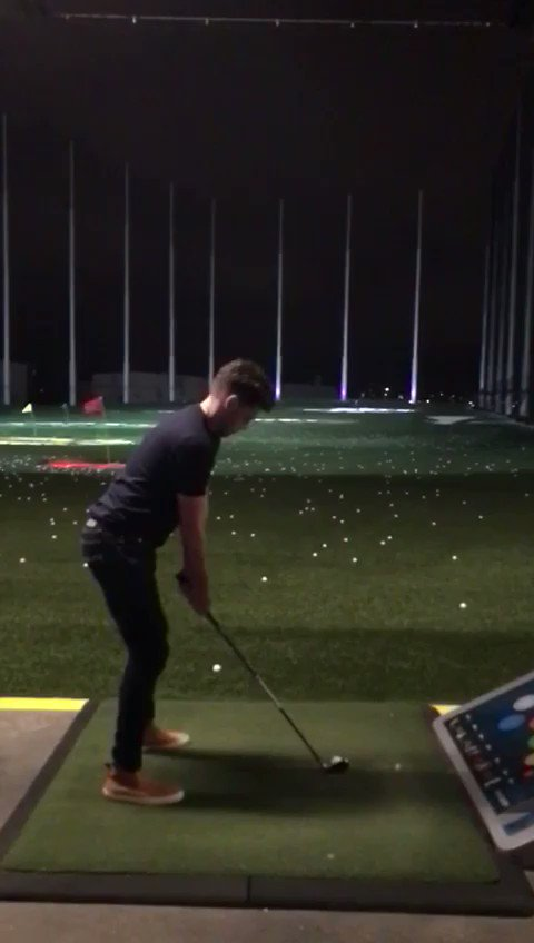 Lovely way to spend to evening before the big CMA day . @Topgolf https://t.co/2ZrrFP88D9
