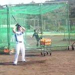 右でもいける!?西川選手のトレーニングです。#lovefighters #秋季キャンプ pic.tw…