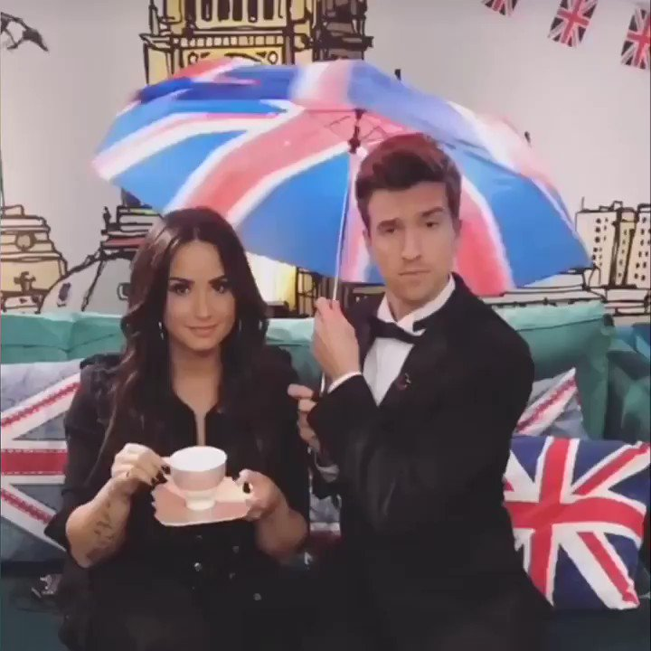 RT @BBCR1: ☂️ @ddlovato and @gregjames 😍☕️☂️ We CANNOT wait for #SLFN tonight 📺 7:30pm @BBCOne 🙌 https://t.co/zZaaR7ka64