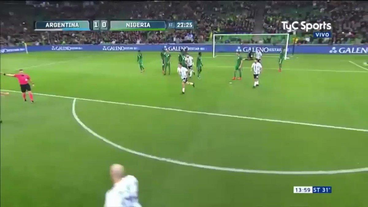 #VamosArgentina Así le pegó @Ever10Banega para el gol argentino ante Nigeria. https://t.co/drlBhdfmP2