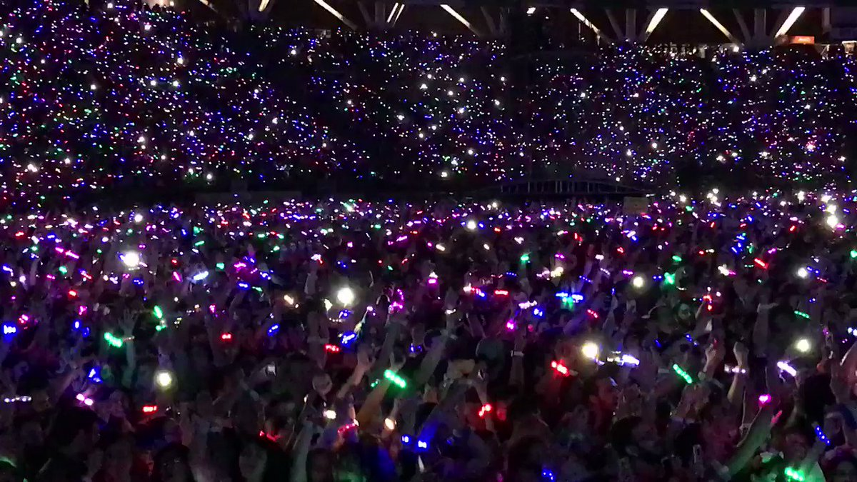 Incredible crowd! R42 #ColdplayBuenosAires https://t.co/rpGbgdskuL