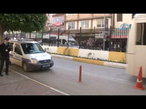 RT @cumhuriyetgzt: Eşini 2 saat boyunca kemerle döven koca: Karım değil mi döverim https://t.co/WV5A0cuOBy https://t.co/uB4xC5wSbA