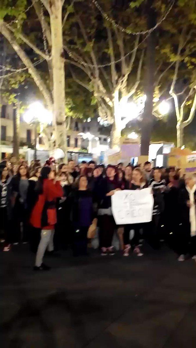 RT @CafFemSevilla: Nosotras sí que somos UNA MANADA! 💪💪 ¡¡¡Sevilla será la tumba del machismo!!! https://t.co/Oske6DhNAn