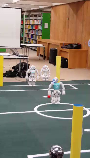RT @library_MU: Penalty shootout for Robot Soccer @library_MU, no Bendtners here. #ScienceWeek2017 #IREDEN https://t.co/CZhWq0n2yb