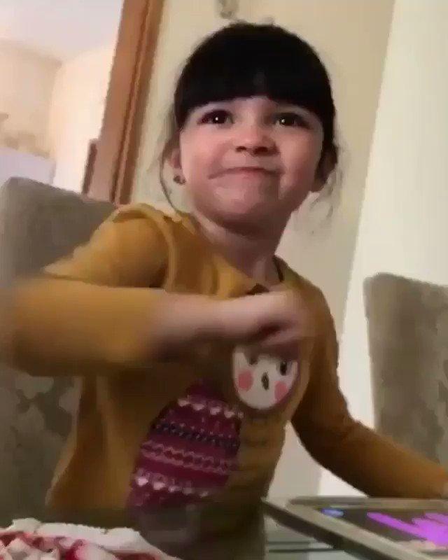 """Twitter पर Javierhalamadrid: """"Cuando eres una niña, pero ..."""