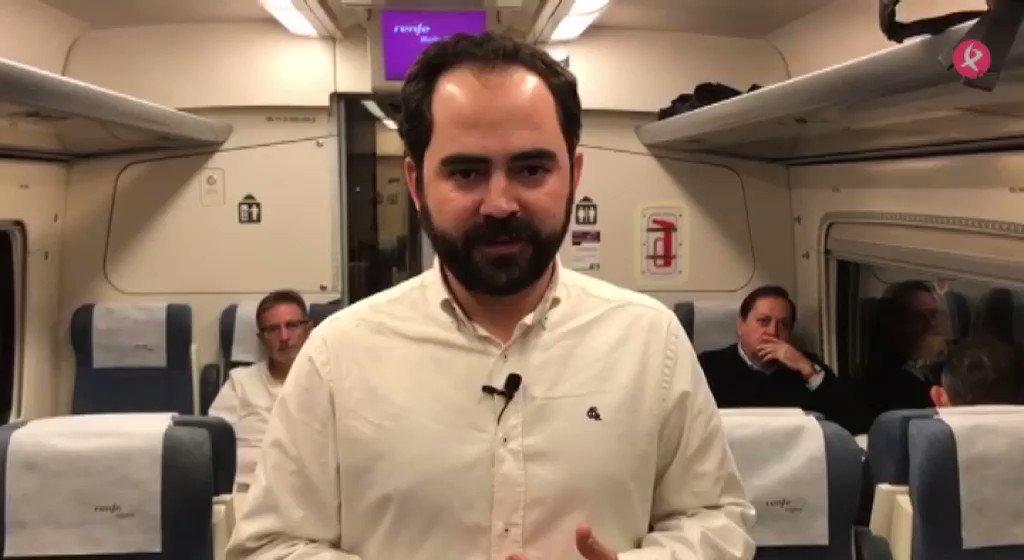 Desde el tren 🚈 que va a Madrid, @exn_jmcortes nos habla de las comodidades y velocidad a la que van. Participa: 📞699 804 130 🚂#TrenDignoYa  🚅#ViajeConNosotros https://t.co/UTMyMa2Tmt