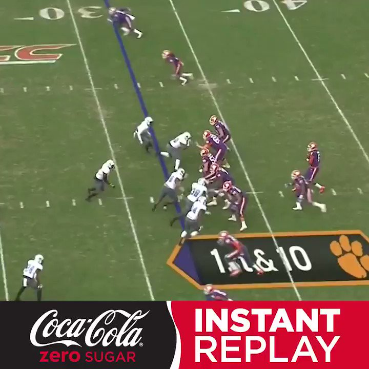 Always stick with the play. Always.  Clemson was rewarded for just that in this @CocaCola Instant Replay. https://t.co/cnieUYEOI6