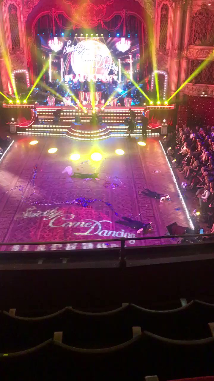RT @GethincJones: And a word for the amazing @bbcstrictly team. Phenomenal - the bits you don't see! 😂 https://t.co/T6uZIklsnU