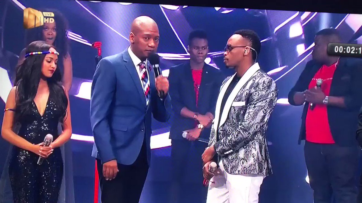 @IdolsSA is it me or just English went o...