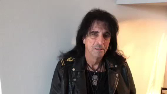 RT @RealAliceCooper: RIP Malcolm Young. https://t.co/YbpGK5drpO