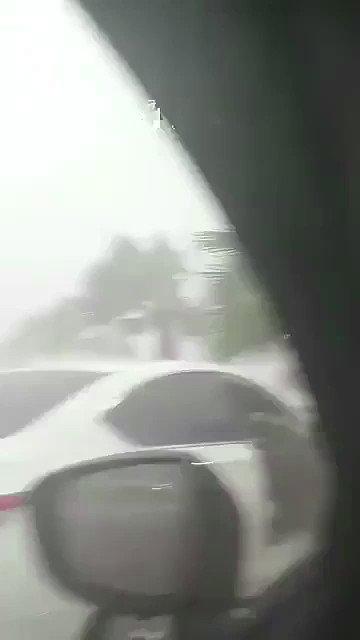 استمرار هطول الأمطار الغزيرة على جدة .....
